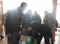 MEHMET NURİ ÇETİN - Göynük'ten Güvenlik Güçlerine El Emeği Atkı Ve Bere