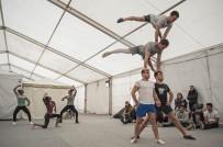 KATALONYA - İspanya'daki Sirk Festivalinde Avrupa'nın En Yetenekli 80 Akrobatı Yarışacak
