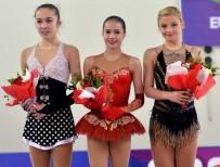 BUZ PATENİ - Rus Sporcu Alina Zagitova Altın Madalyanın Sahibi Oldu
