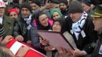 ŞEHİT YAKINLARI - Şehit Uzman Çavuş Murat Tevlim'i On Binler Son Yolculuğuna Uğurladı