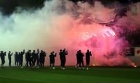 Trabzonspor Taraftarından Takımlarına Sevgi Gösterisi
