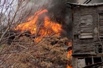 ANKARA BÜYÜKŞEHİR BELEDİYESİ - Ulus'ta Yangın