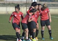 KIREÇBURNU - Döşemealtı Kadın Futbol Takımı Kireçburnu'nu Ağırlıyor