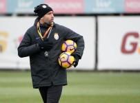 FLORYA - Galatasaray'da Hazırlıklar Tudor Yönetiminde Sürüyor
