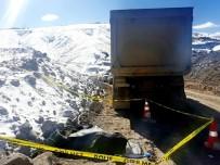 BAĞLUM - Hafriyat Kamyonunun Altında Kalan Kepçe Operatörü Hayatını Kaybetti