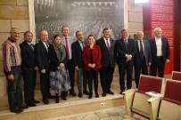 KAMİL OKYAY SINDIR - Milletvekilleri İzmir Marşıyla Sahaya İniyor