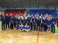 Minik Zabıtalar, İzmit Belediyespor Bayan Basketbol Takımına Destek Verdi