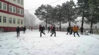KARDAN ADAM - Öğrencilerin Kar Sevinci