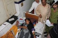 BOMBALI SALDIRI - Pakistan'da Türbeye Saldırı Açıklaması 50 Ölü