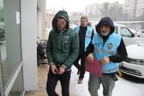 HÜRRİYET MAHALLESİ - Sorduğu Soruya Cevap Vermeyen Temizlik İşçisini Bıçakladı