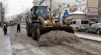 TOPLU TAŞIMA - Van Büyükşehir Belediyesinden Karla Mücadele Çalışması