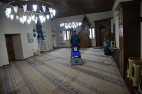 Yunusemre'de İbadethaneler Temizleniyor