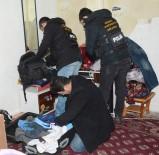 Afganistanlılara Uyuşturucu Operasyonu Açıklaması 3 Gözaltı