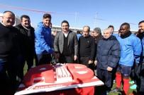 DIEGO - Antalyaspor Başkanı Öztürk'e Doğum Günü Kutlaması