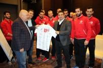HENTBOL - Antalyaspor Hentbol Takımı Başkan Öztürk'ün Misafiri Oldu