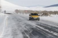 KIŞ LASTİĞİ - Ardahan'da Tipi Ulaşımı Aksatıyor