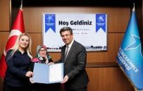 KARADENIZ - Başkan Karadeniz'den Küçükçekmeceli Esnafa Ruhsat