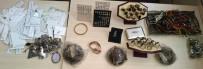 ADANA EMNİYET MÜDÜRLÜĞÜ - Çaldığı 140 Bin Liralık Altın Ve Gümüşü Satarken Yakalandı