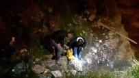 CİNAYET ZANLISI - Firari Katil Zanlısı Su Kanalında Yakalandı