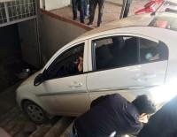 KAZAN DAİRESİ - Kadın Sürücü Ortalığı Birbirine Kattı
