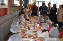 Minik Öğrenciler Yiyeceklerini Kendileri Hazırladı