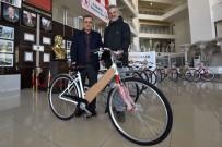TÜRK STANDARTLARI ENSTİTÜSÜ - Muratpaşa Belediyesi 2 Bin 90 Bisiklet Dağıttı