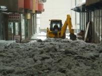 ÖZALP BELEDİYESİ - Özalp'ta Karla Mücadele Çalışması