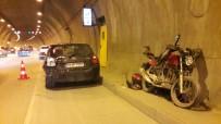 TRAFİK YOĞUNLUĞU - Kağıthane Tüneli'nde Kaza Açıklaması 1 Yaralı