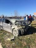 Sakarya'da İki Otomobil Çarpıştı Açıklaması 1 Ölü, 2 Yaralı