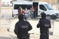 Terör Operasyonunda Gözaltına Alınan 7 Kişiden 5'İ Adliyeye Sevk Edildi