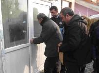 ZABITA MEMURU - Varto'da Ruhsatsız Çalıştırılan Kahvehane Mühürlendi