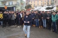 KAPALI ALAN - Yarı Açık Alanlarda Sigaranın Yasaklanmasını Kepenk İndirerek Protesto Ettiler
