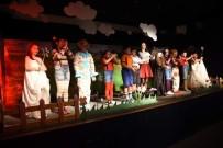 ÇOCUK TİYATROSU - Aliağa'da Çocukların Tiyatro Keyfi