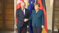 Başbakan Yıldırım, Merkel'le, Terörle Mücadeleyi Görüştü