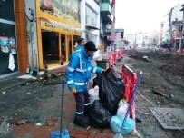 ÇALIŞMA SAATLERİ - İzmit'te Temizlik Çalışmaları Sürüyor