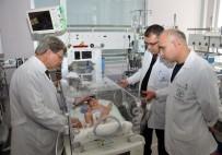 Kafasından Büyük Kafatası İle Dünyaya Gelen Bebek Sağlığına Kavuştu