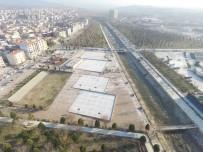 Turgutlu'nun Kent Parkı'nda Çalışmalar Sürüyor