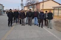 MEHMET ÖZER - Çarmuzu Mahallesi Sakinleri Doğal Gaz İstiyor