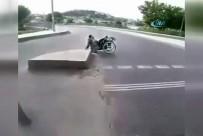 ALIBEYKÖY - Engelli Adamın Yardımına Motosikletli Genç Koştu