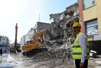 YIKIM ÇALIŞMALARI - Kent Meydanı İçin Çalışmalar Tam Gaz Devam Ediyor