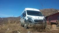 BOMBALI ARAÇ - Lice'de Şüpheli İki Araç Ele Geçirildi