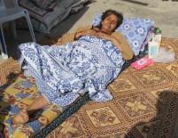 KOLON KANSERİ - Ölüm Döşeğindeki Kanser Hastası Anne, Çocukları İçin Yardım İstedi