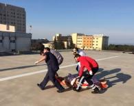 Tüfekle Vurulan Genç Ambulans Helikopterle Hastaneye Kaldırıldı
