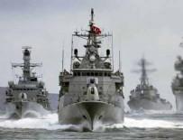 BÜLENT BOSTANOĞLU - Türk savaş gemisi Yunanistan'ı gerdi