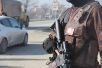 POLİS ÖZEL HAREKAT - Bolu'da Araçlar Didik Didik Arandı