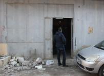 BOMBA İMHA UZMANI - Bomba İhbarı Polisi Alarma Geçirdi