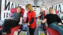 Burhaniye'de Kan Bağışı Kampanyasına Yoğun İlgi