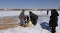 MEHMET ÖZDEMIR - 'Dünya Sulak Alanlar Günü' Buz Tutan Beyşehir Gölü'nde Kutlandı