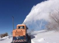 Elazığ'da 272 Köy Yolu Kar Nedeniyle Ulaşıma Kapandı
