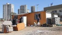 ADANA VALİSİ - Naylon Çadırdan Sıcak Yuvaya